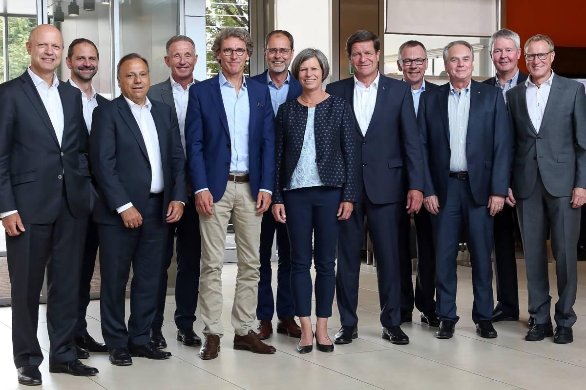 Der neue Vorstand des VDMA Kunststoff- und Gummimaschinen: