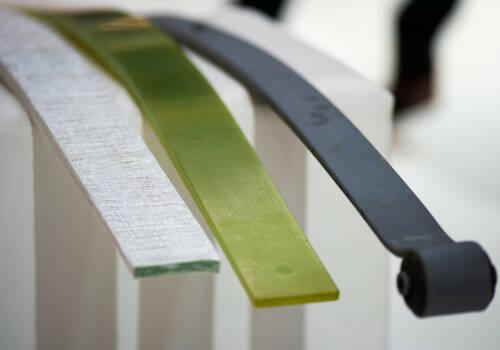 Leicht und rostfrei: Blattfedern aus Composites